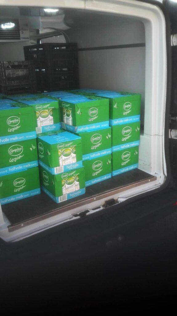 Koelbus met 480 pakken houdbare melk